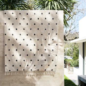 Tapis lavable en Coton recyclé Noir / écru - modèle Marrakech