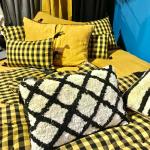 Coussin coton motif berbère noir et écru