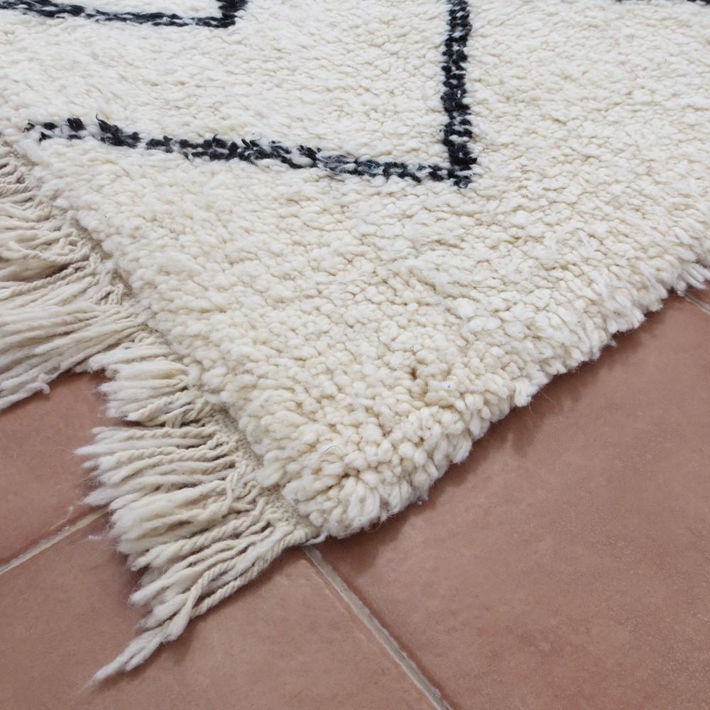 tapis berb re b ni ouarain en laine motif zig zag traits. Black Bedroom Furniture Sets. Home Design Ideas