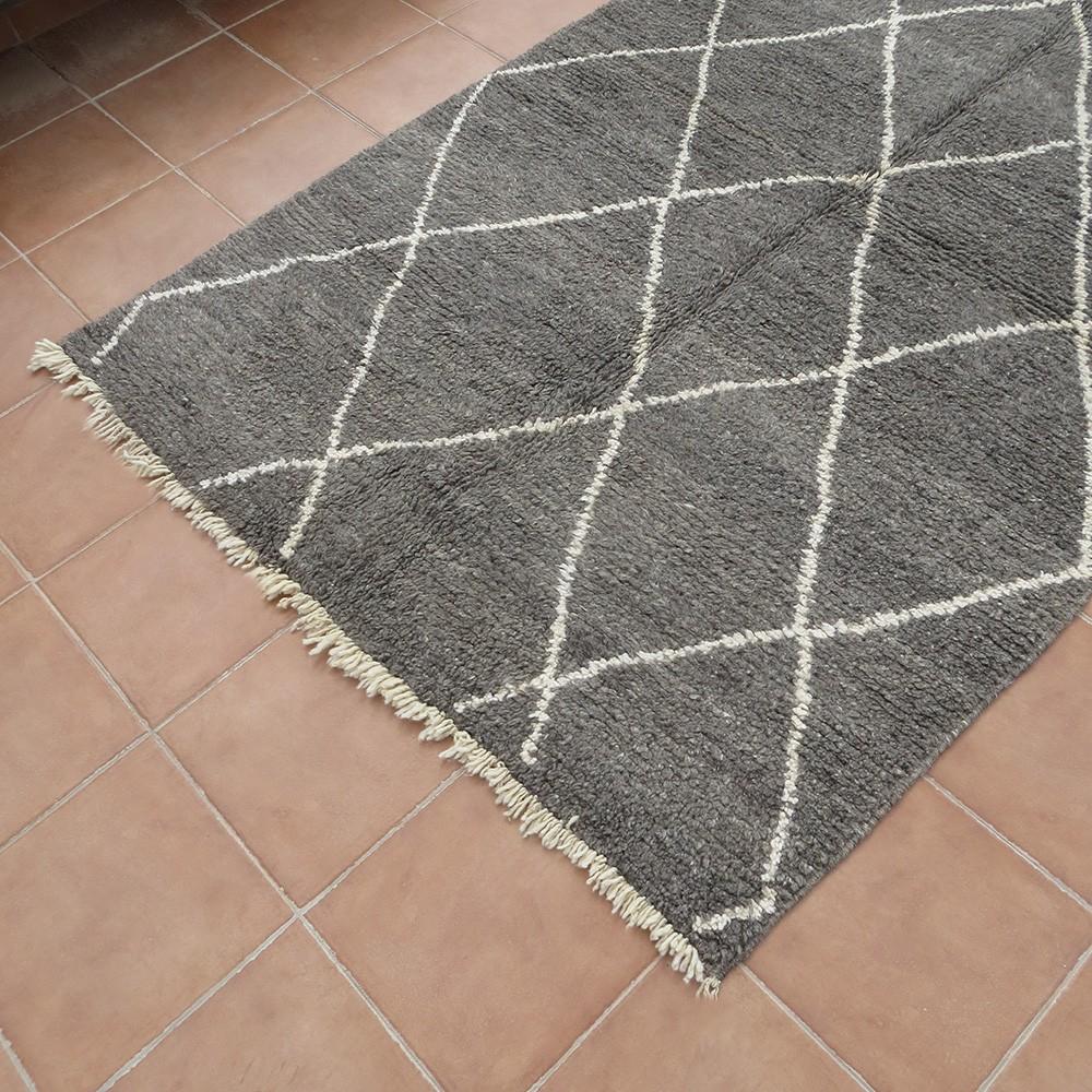 tapis marocain béni ouarain 100% laine gris motif losanges