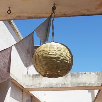 Lustre forme ovale en roseau naturel du Maroc tressé