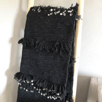 Tapis handira Noir avec sequins argentés et franges - Fait main