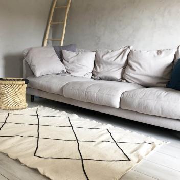 Tapis Marocain Kilim Noir et écru 155 cm x 105 cm