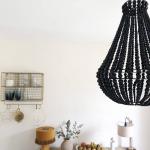 Suspension ou lustre de Bali en perles de bois coloris Noir