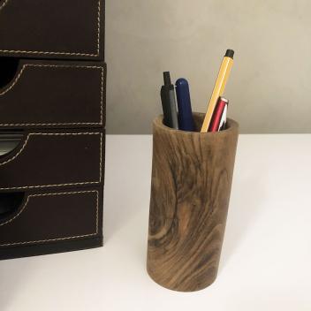 Pot à crayons en bois fait main - Racine de noyer striée teinte foncée