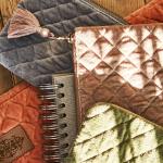 Pochette ou trousse velours coloris Brun - Rouge avec fermeture