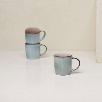 Mug ou tasse à thé en céramique Emaillée gris - rose poudré