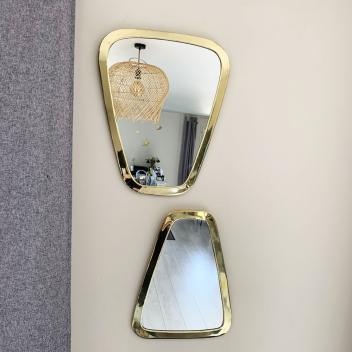 Miroir Artisanal forme Trapèze en Métal doré fait à la main