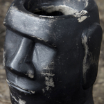 Pièce artistique de décoration Tête noire en béton - House Doctor