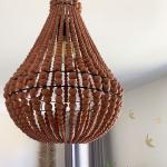 Lustre de Bali D. 40 cm en perles de bois coloris Terracota