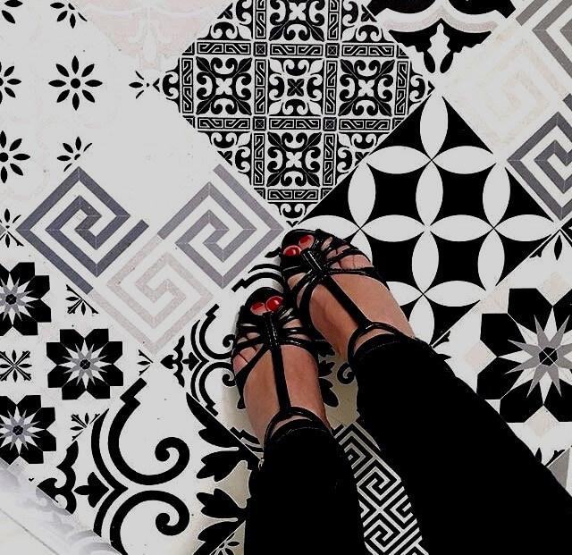tapis vinyle cuisine noir blanc
