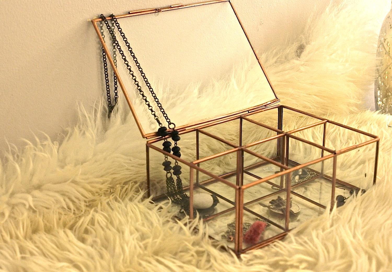 boite a bijoux métal cuivré et verre